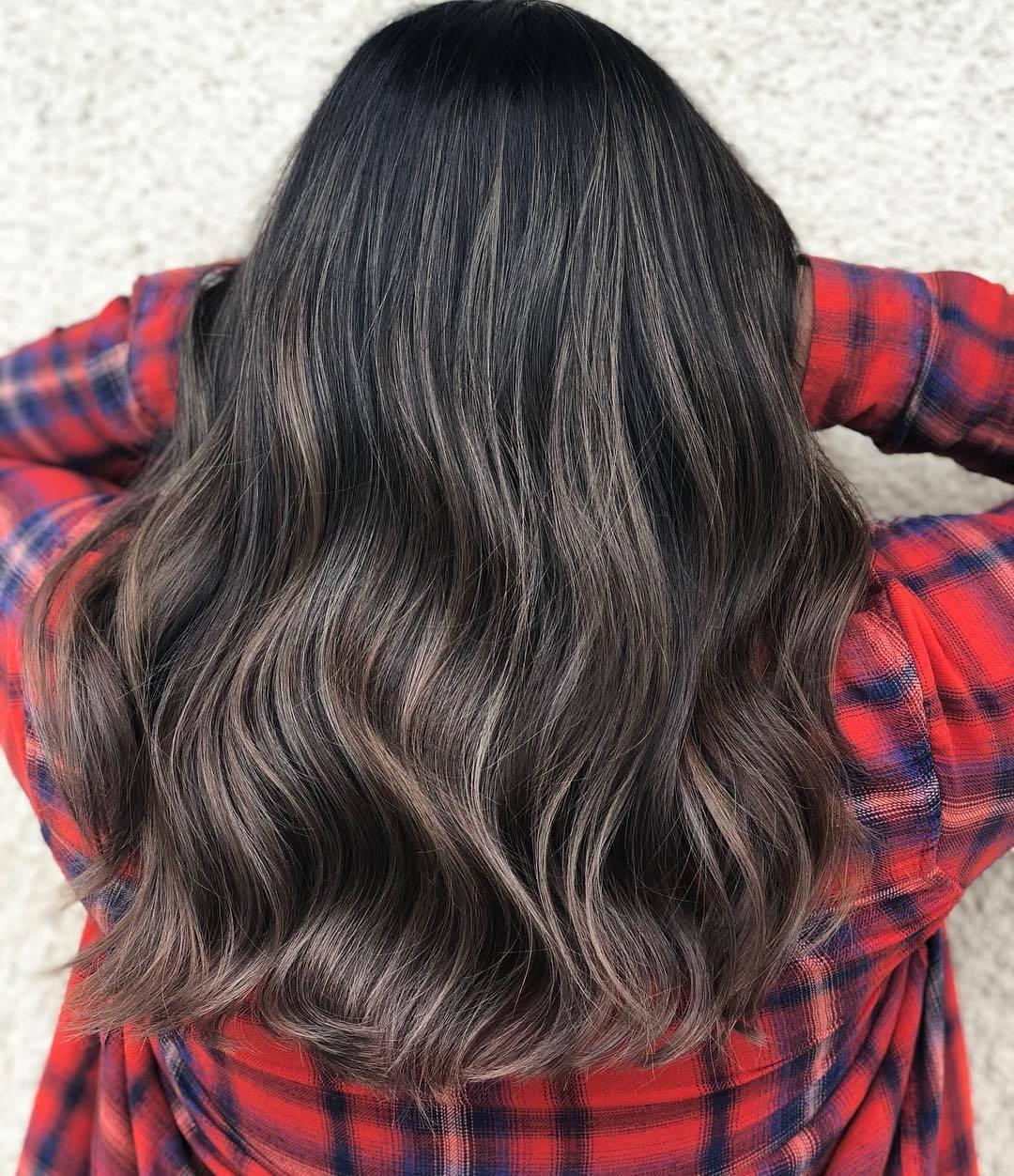 Der Sommer Haarfarben Trend für 2018: Ashbrown Hair