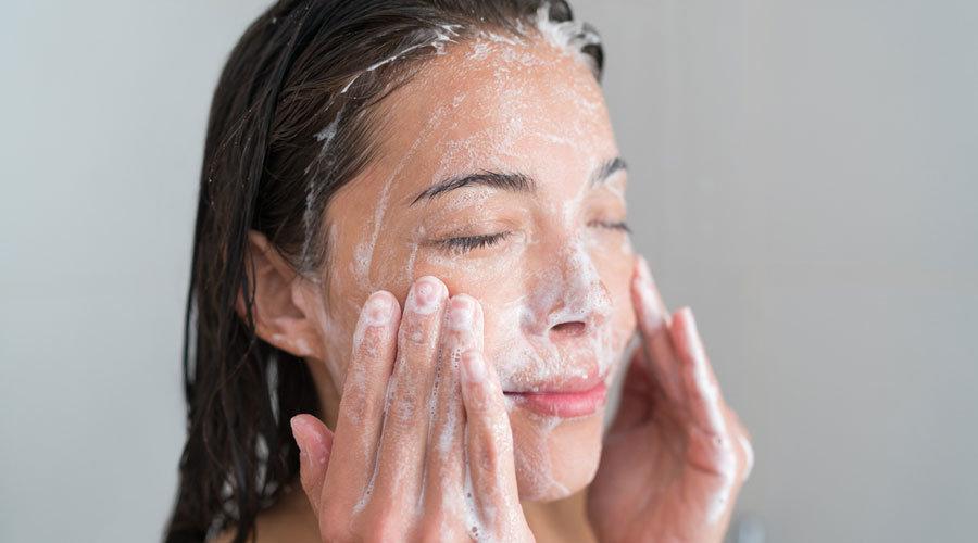 Ohne-milde-Reinigung-bringt-selbst-die-beste-Pflege-nichts