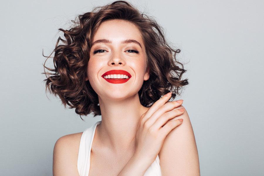 Zum Küssen: Kann ich rote Lippen im Alter tragen?